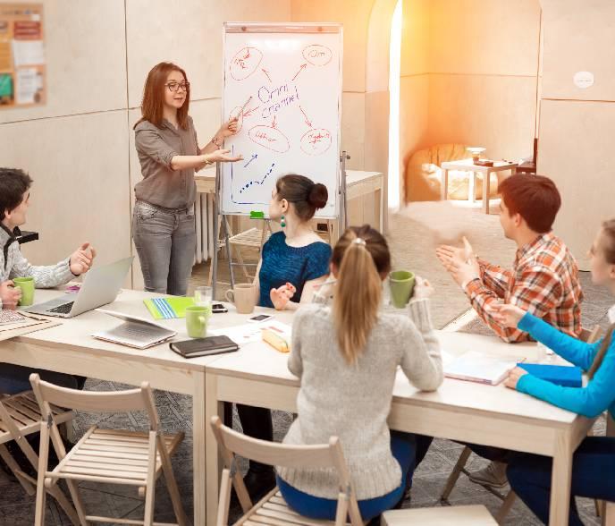 """Modelo Educativo basado en """"productos de aprendizaje"""""""